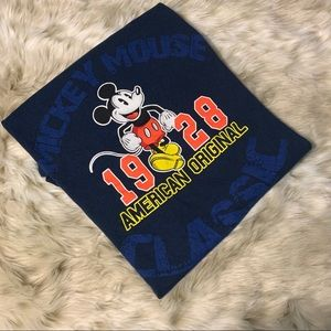 🌸 3/$15 Mickey Mouse Disney store t shirt
